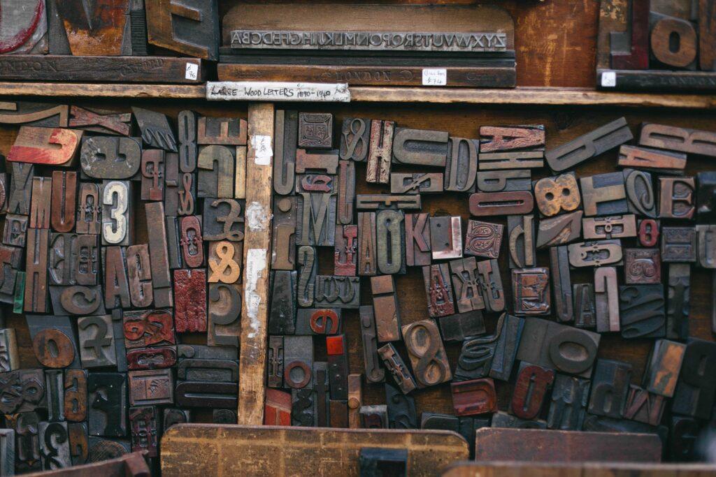Muro de letras dispares